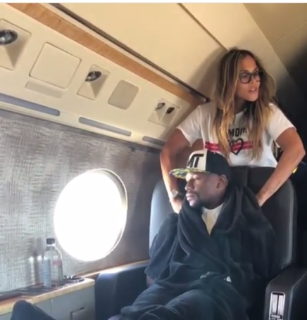 Floyd Mayweather receiving royal treatment on his private jet
