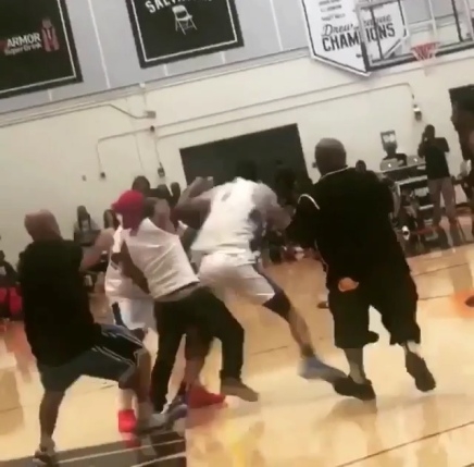 "Rapper ""Game"" Fights His Own Teammate At A Drew League Game"