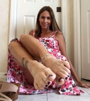 VFN EYE CANDY .... VFN FOOT MODELS