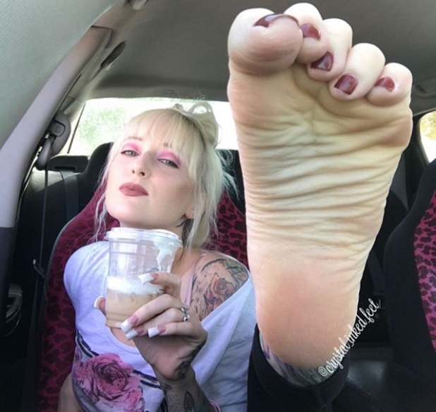@crystal_inked_feet