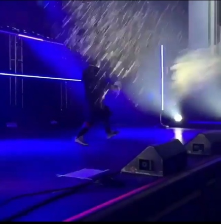 Fans Throw Water on Pusha T and Rush The Stage In Toronto and Huge Fight Breaks Out ( Viral Flame Network )